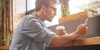 Έρευνες δείχνουν πως ο καφές βοηθά στο να έχει ένας άντρας γερές στύσεις