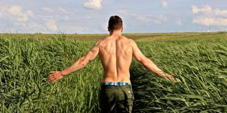 Θες να παραμείνεις fit στις διακοπές του Πάσχα; Δες τι ασκήσεις να κάνεις