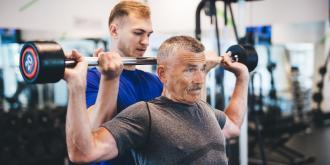 Είσαι άνω των 40 ετών; Μάθε ποιες ασκήσεις ταιριάζουν στην ηλικία σου