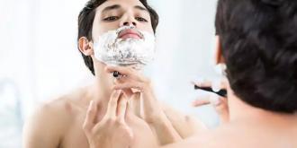 Tips για να αποφύγεις τους ερεθισμούς στο ξύρισμα ειδικά τώρα που φοράς μάσκα